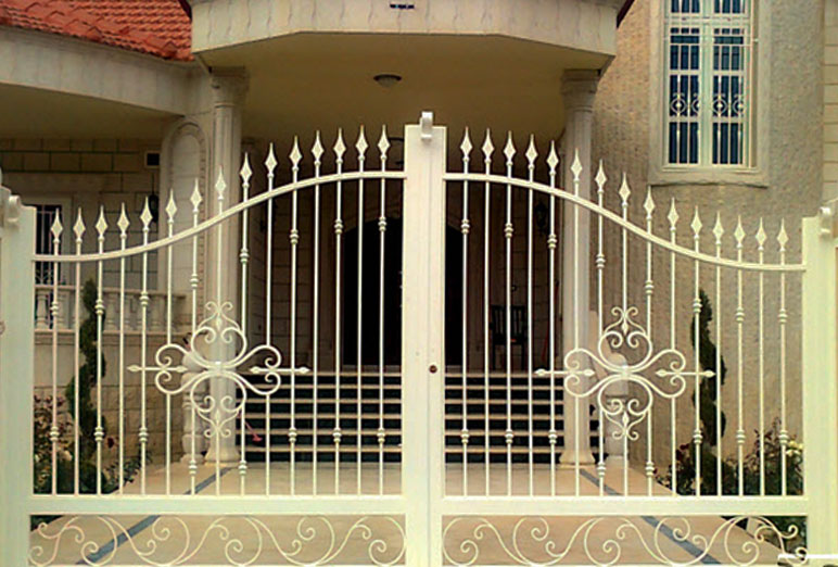 Custom Gates Builder