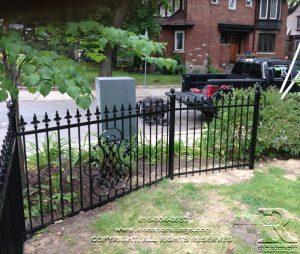 custom fence company in Toronto
